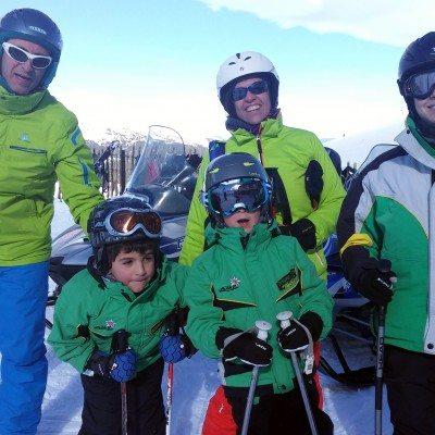Clases de esquí en Valdesquí   Curso niños VIP   Club de esqui en Madrid Grupo Joven