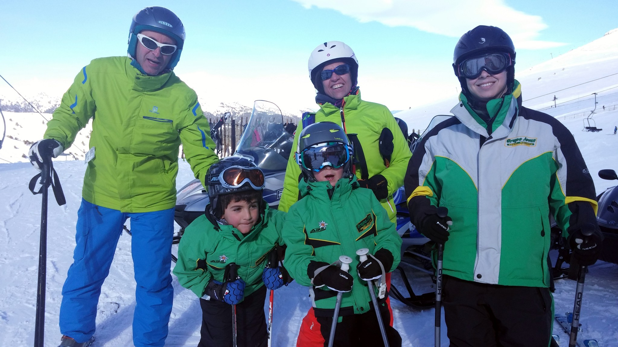 Cursos de esquí para familias en Madrid | Tarifa plana padres