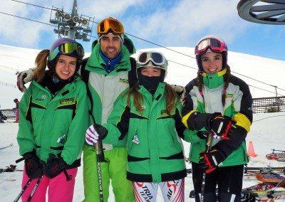 Curso de esquí Competición para niños en Madrid Valdesquí Club Grupo Joven