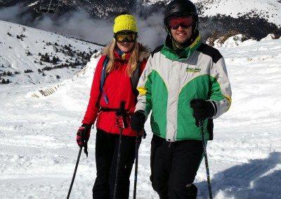 clases-particulares-de-esqui-y-en-grupo-para-adultos-jovenes-parejas-una-persona-grupos