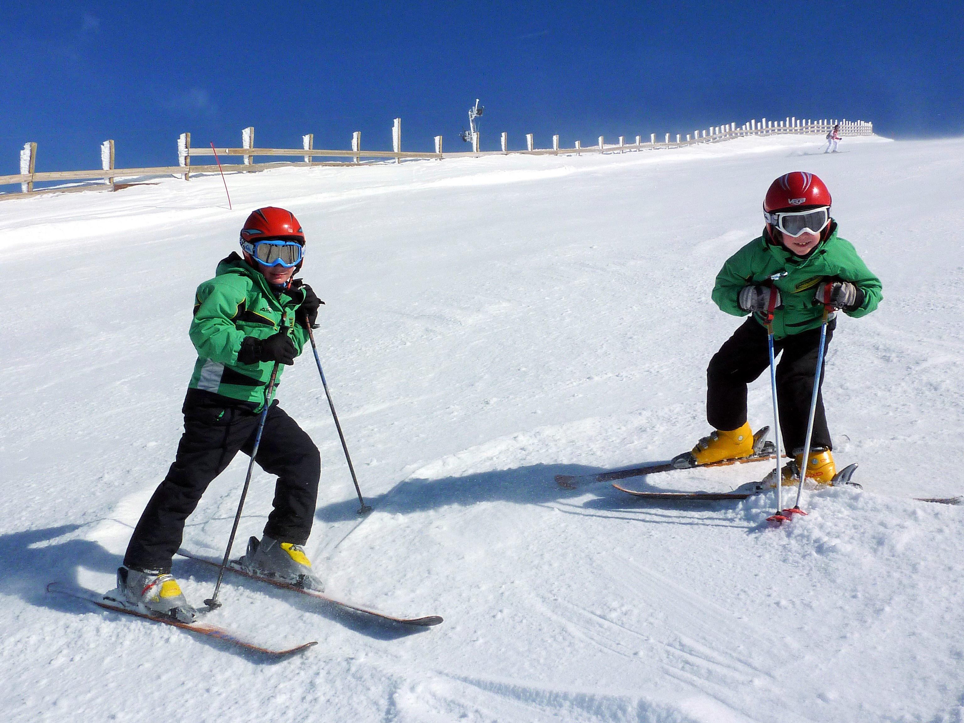 Clases de esquí en Valdesquí   Club Grupo Joven Madrid