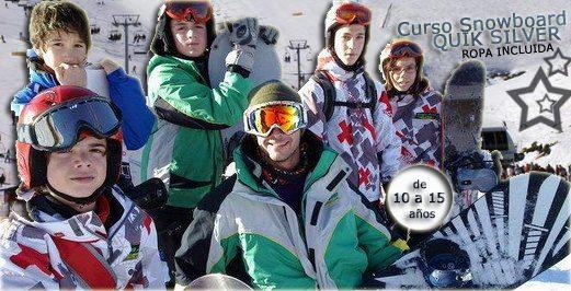 club-de-snowboard-en-madrid-curso-de-snowboard-en-valdesqui-para-ninos-grupo-joven-club