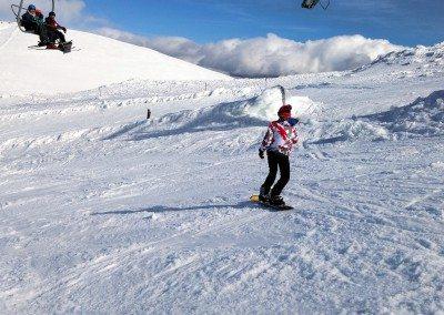 club_de_snowboard_en_madrid_clases_nivel_medio_aprender_snowboard