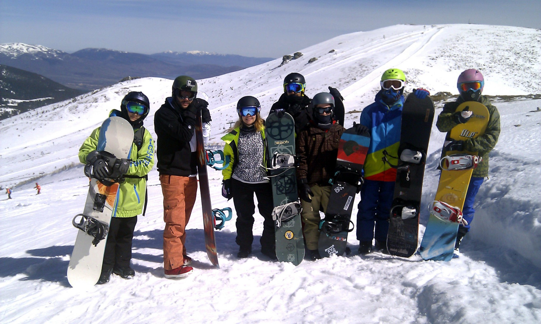 17f3576cc5 Clases de snowboard para adultos en Valdesquí | Curso INTENSIVO | Club  Grupo Joven Madrid