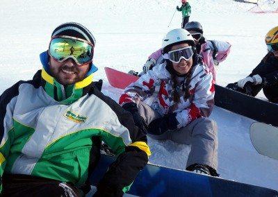 grupo_de_snowboard_en_la_pista_grupo_joven_madrid