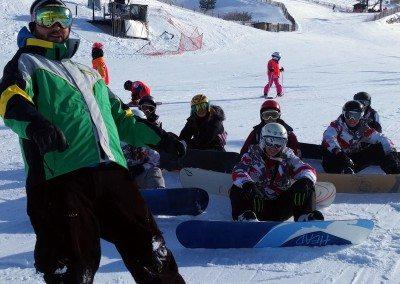 club_de_snowboard_para_ninos_club_de_snowboard_grupo_joven