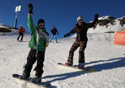 Viaje_de_snowboard_con_clases_autobus_incluido_pirineos_desde_Madrid_Club_Grupo_Joven