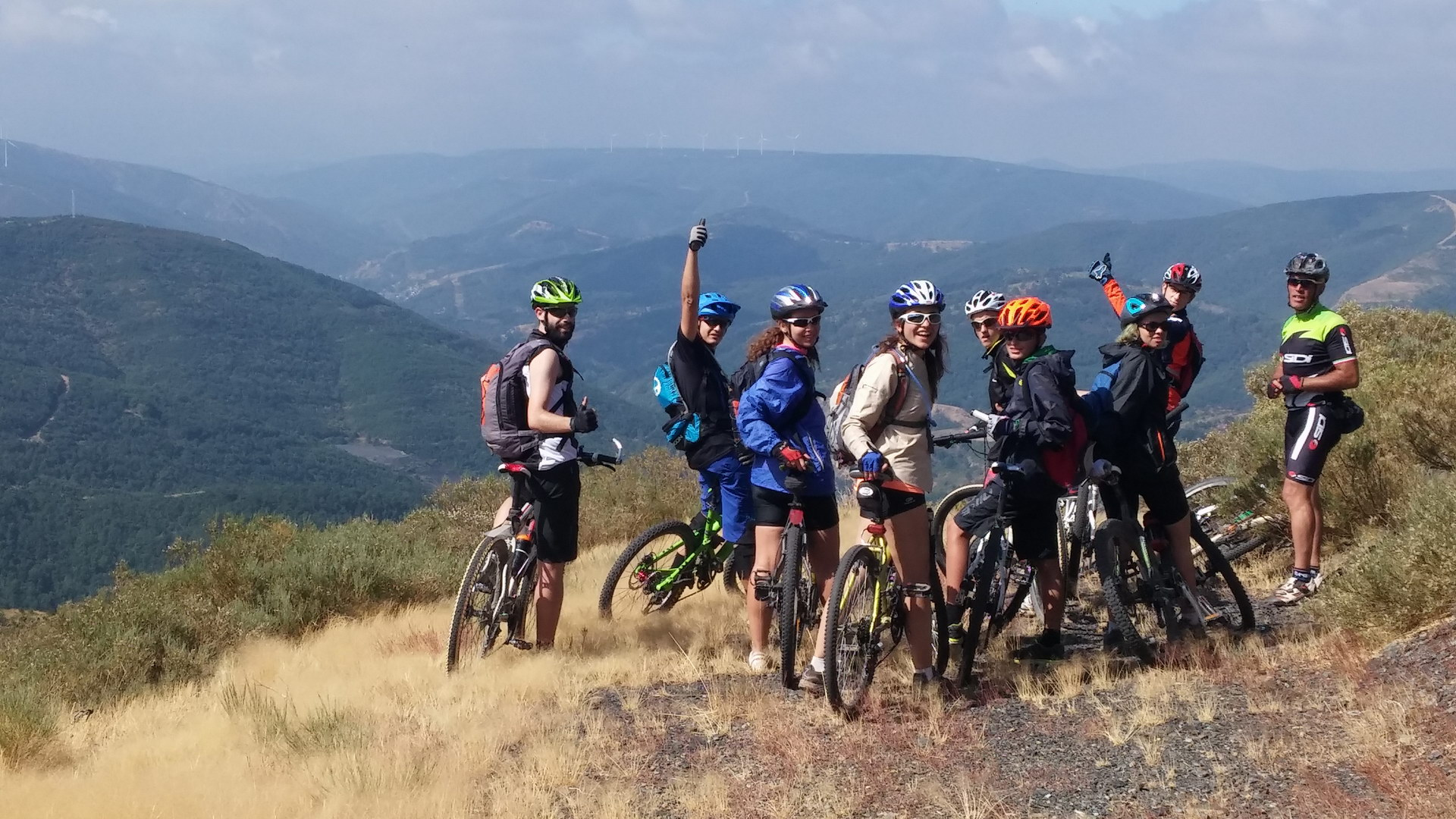 Campamentos de verano en España para ninos jovenes adolescentes bicicleta mountain bike León