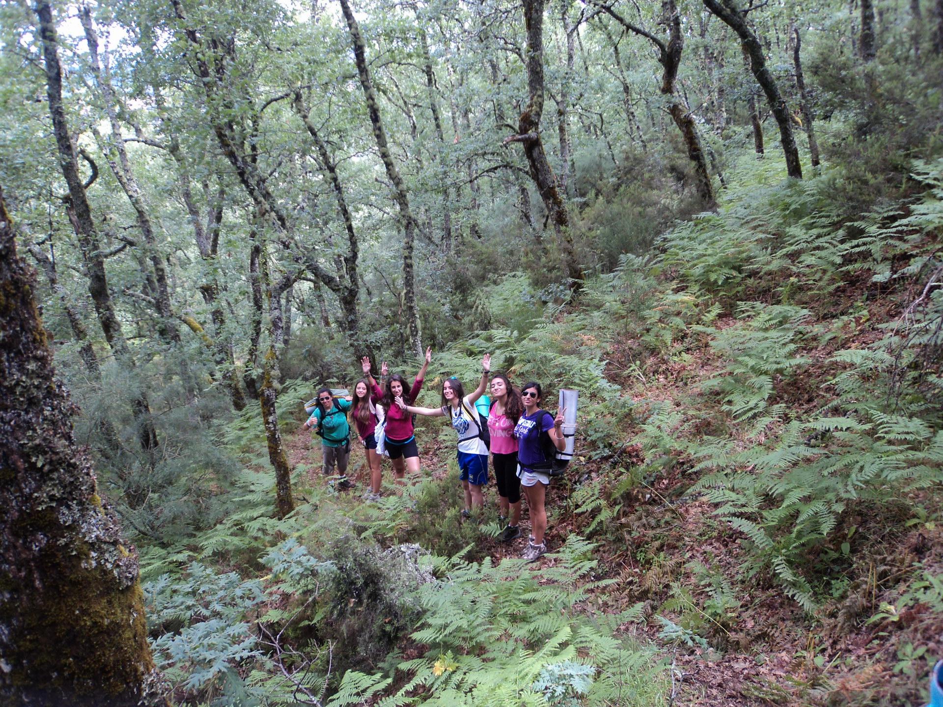 Campamentos de Verano en España para niños jóvenes adolescentes Multiaventura Senderismo