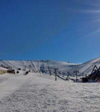 Clases de esquí en Valdesquí | Curso niños VIP | Club de esqui en Madrid Grupo Joven