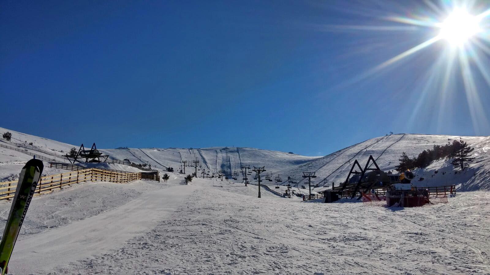Club de snowboard Madrid Grupo Joven Valdesquí pistas