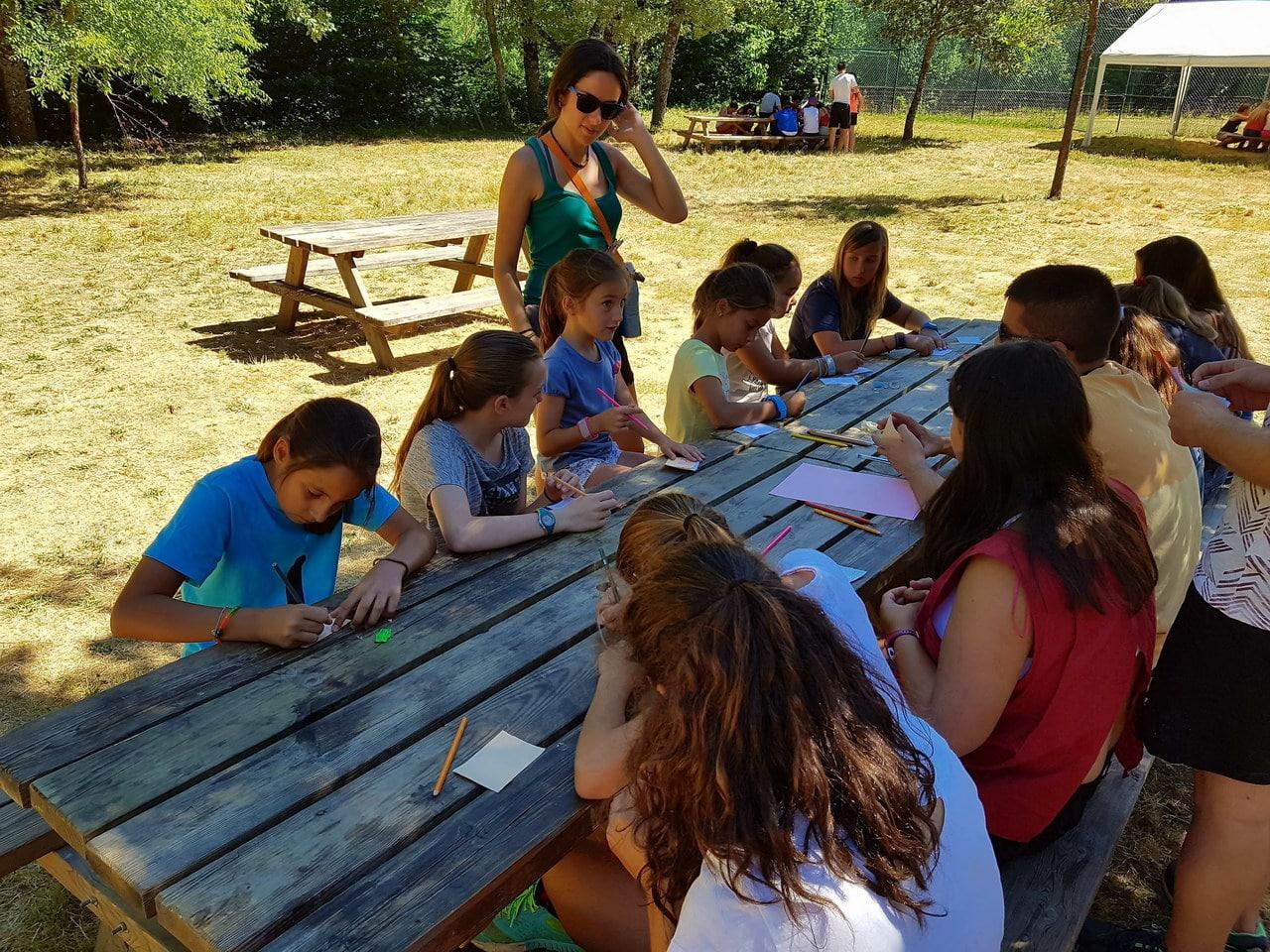 Campamentos de Verano con Inglés en España niños jóvenes adolescentes actividades bilingüe inglés español