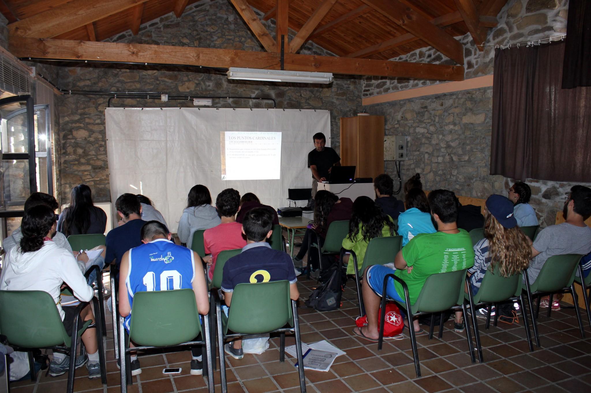 Campamentos de verano en España León instalaciones aulas