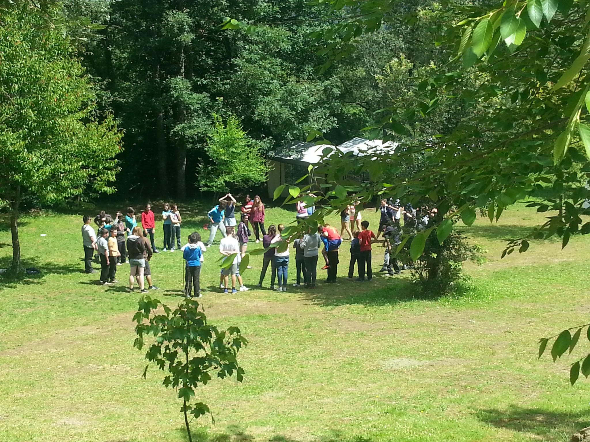 Campamentos de verano en España León instalaciones zonas para juegos