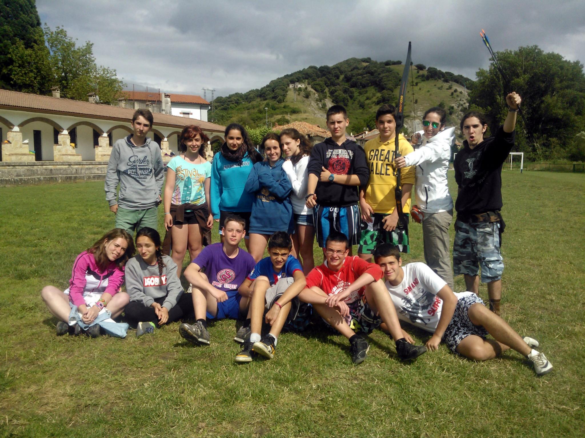 Campamento de Verano Multiaventura para jóvenes en España Navarra | Montaña Naturaleza Deportes y Playa