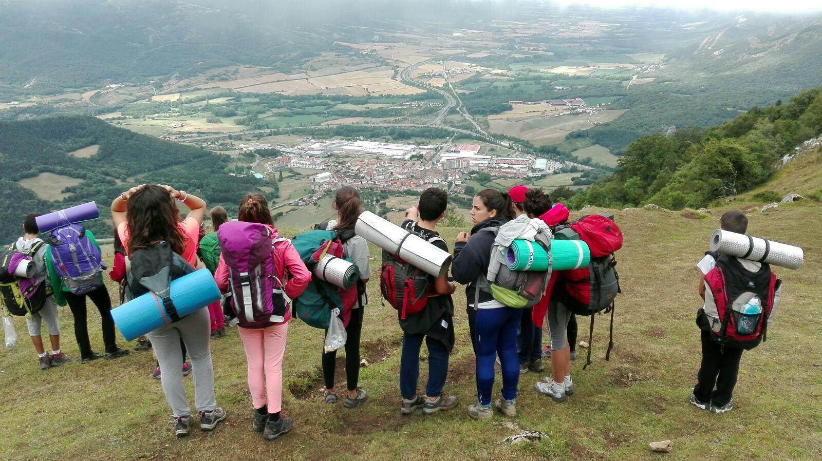 Campamento de Verano Multiaventura para niños en España Navarra | Montaña Naturaleza Deportes y Playa