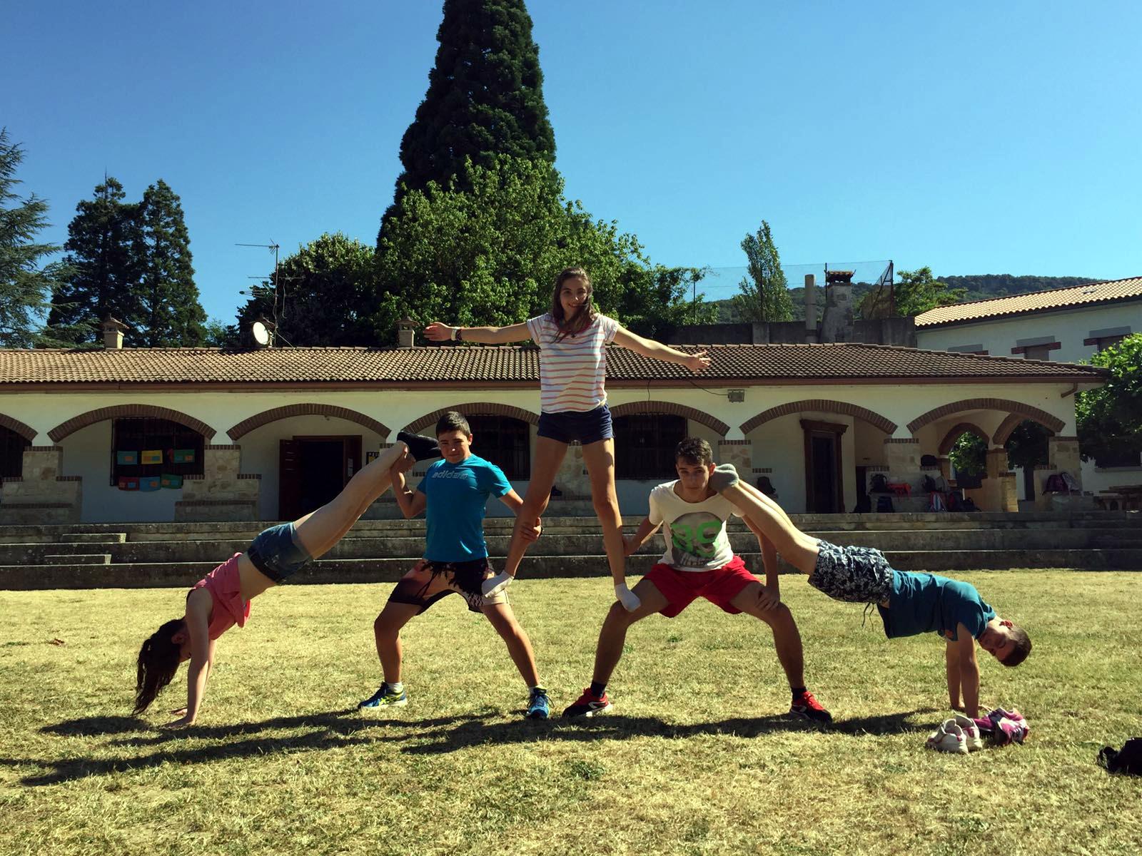 Campamentos de verano en España Navarra niños adolescentes jóvenes juegos