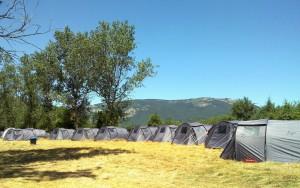 Campamentos de verano en España Navarra tiendas de campaña