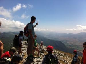 Campamentos de verano multiaventura en España Navarra niños montaña