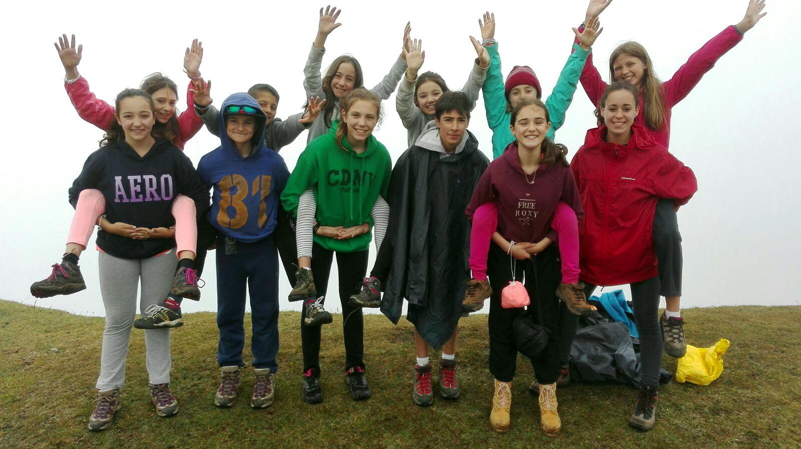 Campamentos de verano multiaventura en Navarra niños montaña Grupo Joven