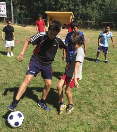 Campus de fútbol para niños y adolescentes en España León campamento multiaventura deportes y agua