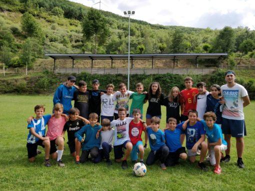 Campamento de verano con fútbol campus por equipos