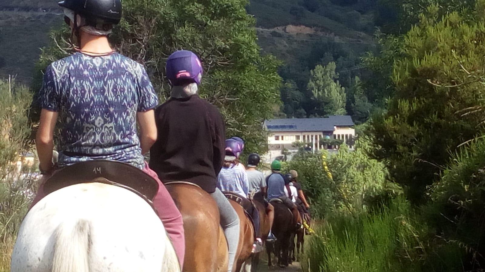Campamento multiaventura con caballo para jóvenes en España Castilla y León