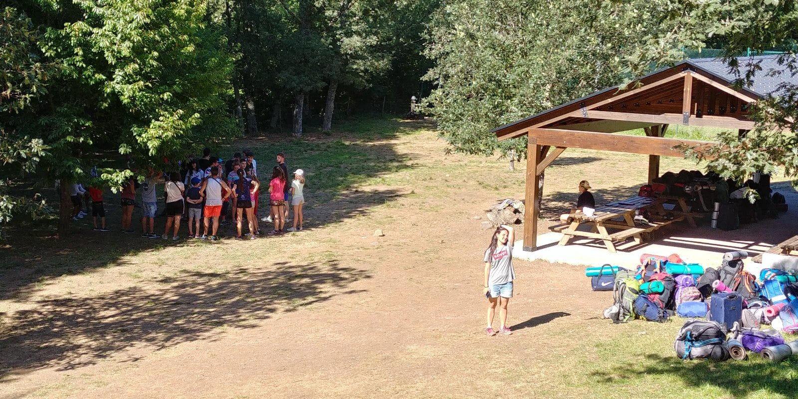 Campamento de verano en España Castilla y León con  acampada tiendas de campaña