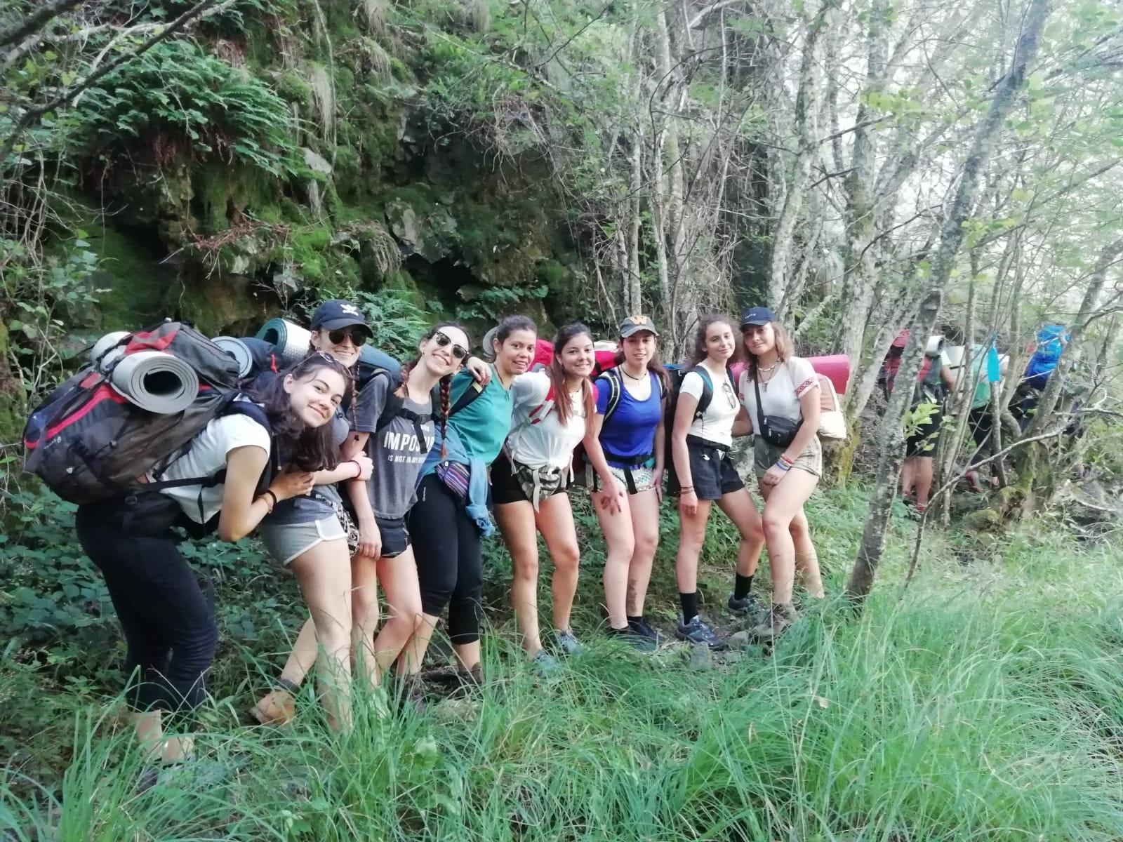 Campamento de verano para jóvenes multiaventura y montana