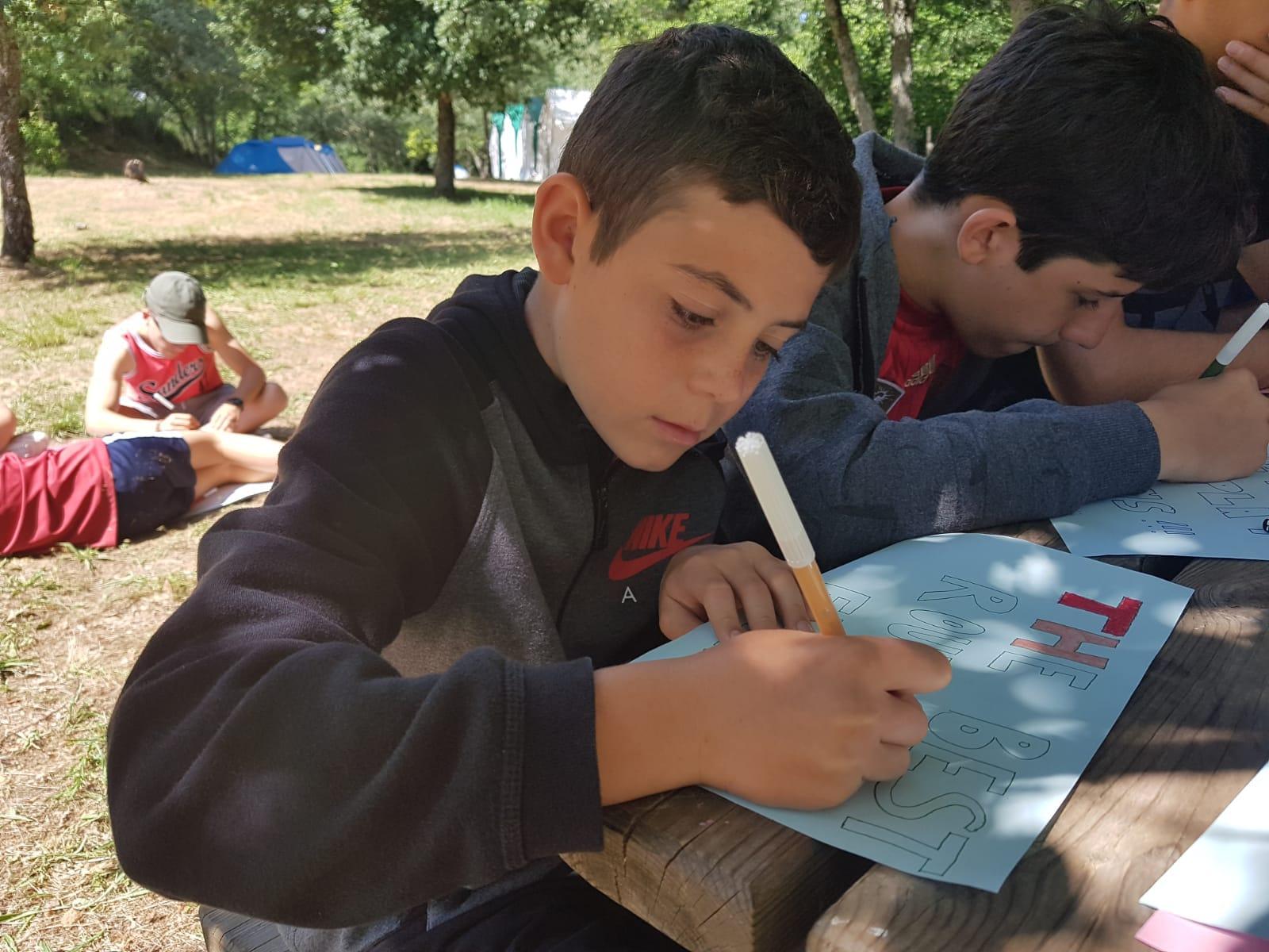 Campamento de verano con inglés juegos y talleres para niños en España León